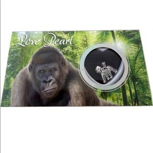 Gorilla Wish Pearl Oyster Gift Set